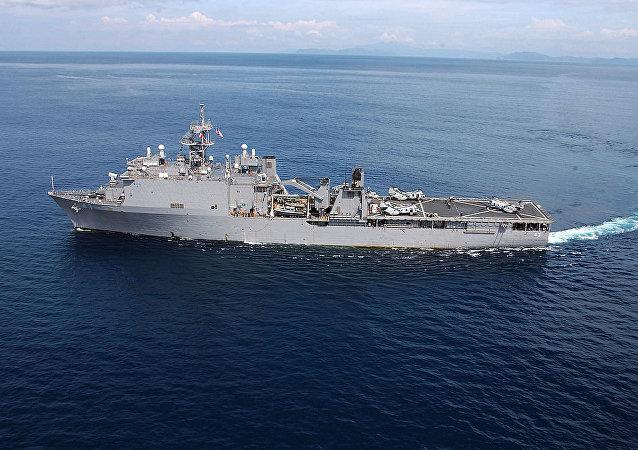 Navio USS Fort McHenry dos EUA (foto de arquivo)