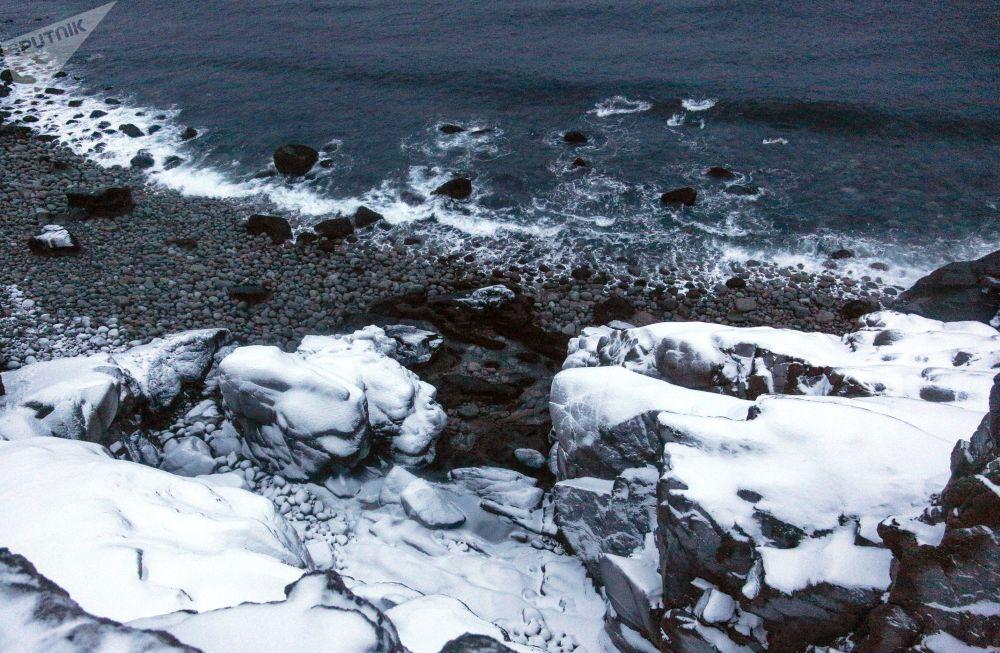 Península de Kola, limitada pelo mar de Barents e mar Branco, é uma verdadeira reserva natural