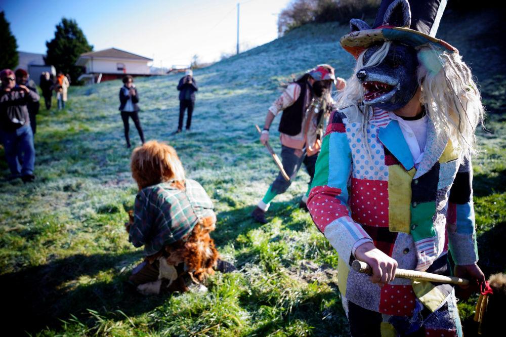 Festival tradicional La Vijanera na Cantábria (norte da Espanha)