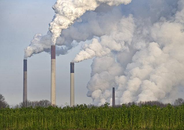 Usinas de carvão.