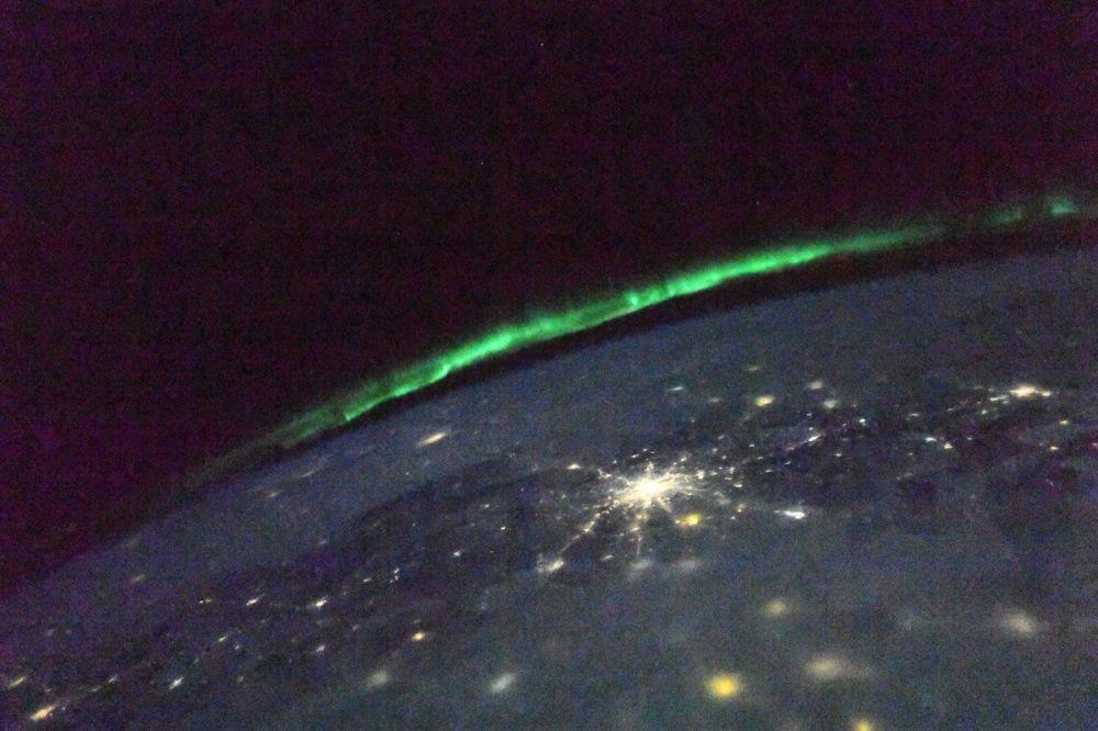 Aurora boreal vista da Estação Espacial Internacional (EEI)