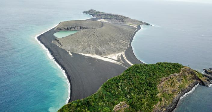 Jovem ilha formada em 2015 nas águas do Reino de Tonga