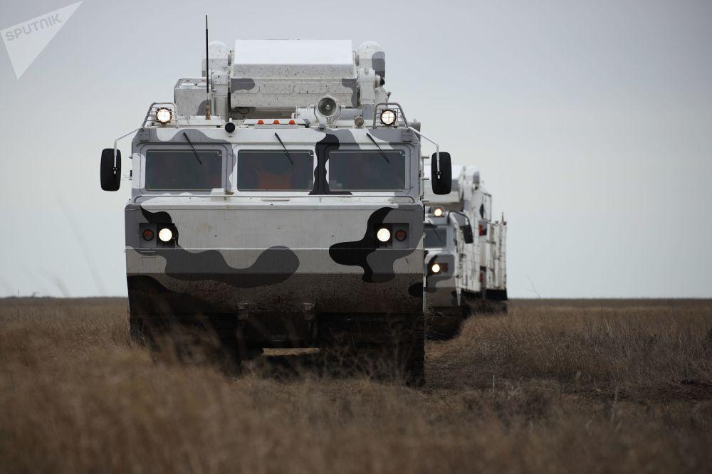 Sistemas de defesa antiaérea do Ártico Tor-M2DT durante exercícios no 726º centro de treinamento, na cidade de Yeisk