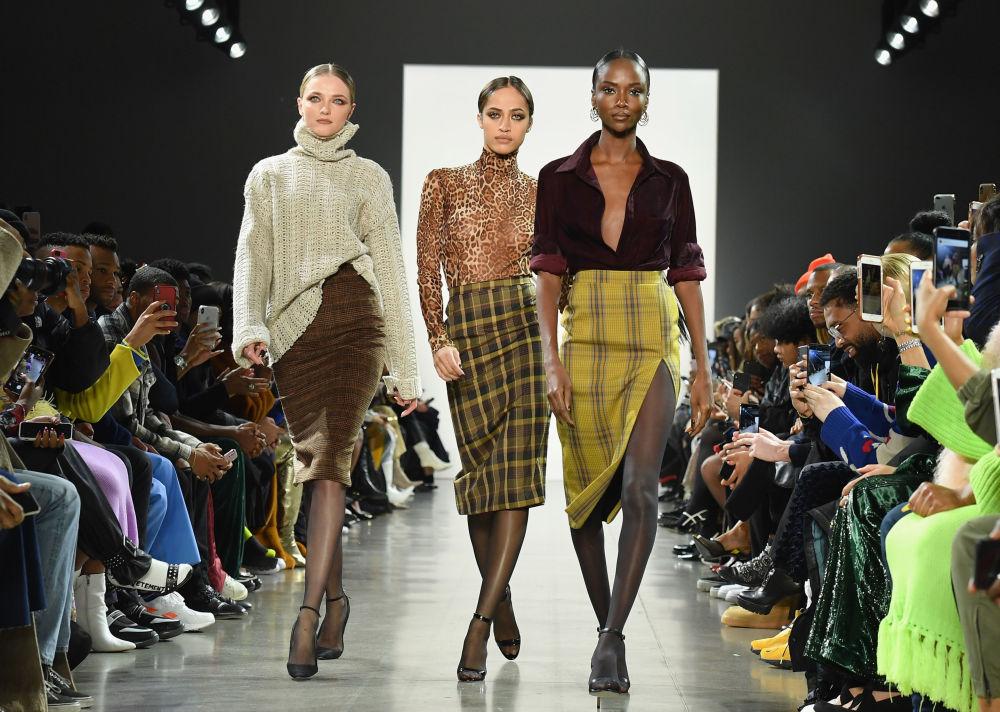 Modelos dão show no New York Fashion Week 2019