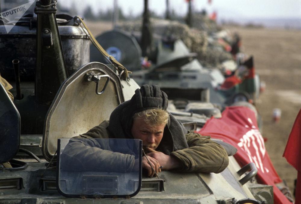 Comemoração da volta dos soldados internacionalistas soviéticos do Afeganistão para casa ocorreu perto da cidade de Termez