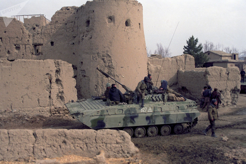 Unidade mecanizada das tropas soviéticas na área de Bala Hisar, em Cabul