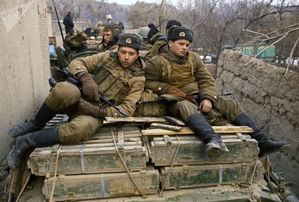 Soldados soviéticos no Afeganistão