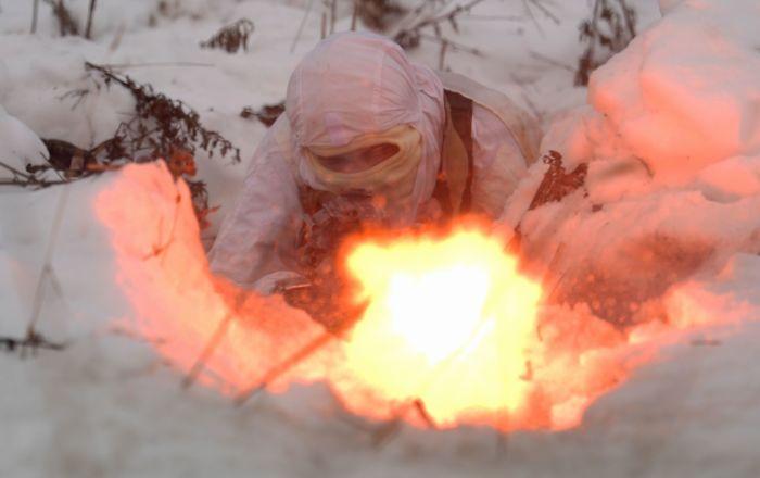 Exercício tático das forças especiais no polígono de Dubrovka, Rússia