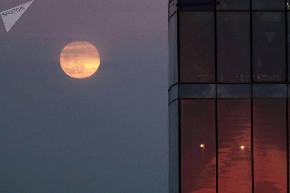 Conhecida há milhares de anos, a Lua de Neve também é chamada de Lua de Tempestade e Lua de Fome
