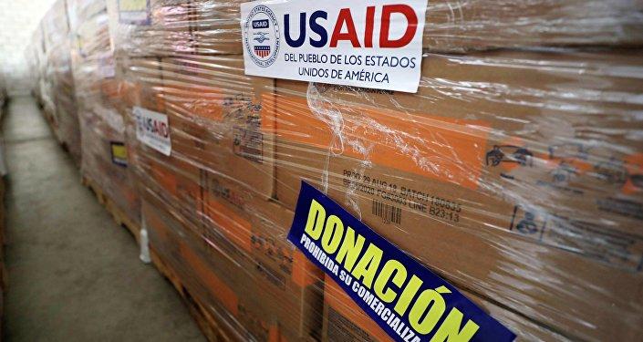 Ajuda humanitária dos EUA enviada à Venezuela e armazenada na Colômbia.