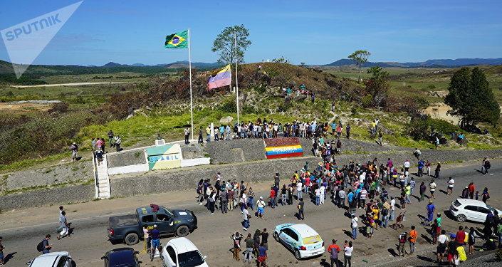 Fronteira entre Brasil e Venezuela, na cidade brasileira de Pacaraima, no estado de Roraima