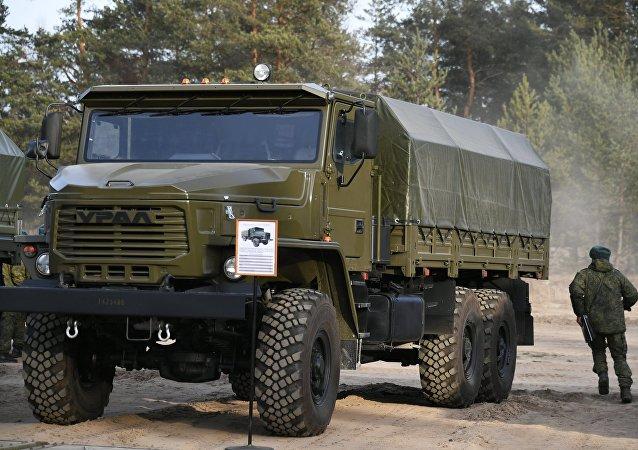 Veículo militar russo Ural-4320 (foto de arquivo)