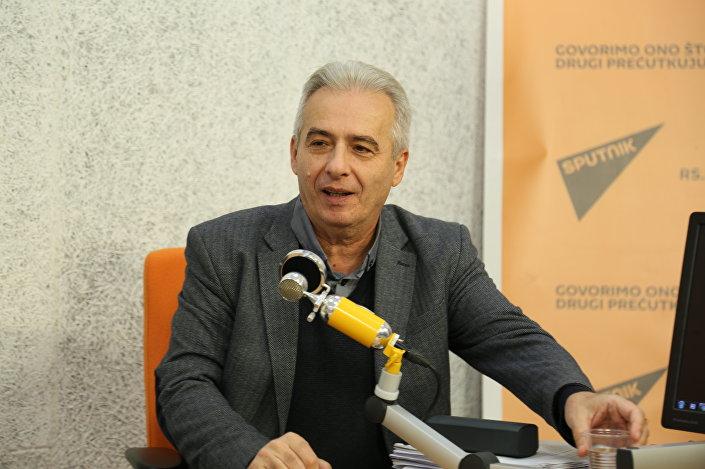 O deputado Milovan Dretsun, presidente da Comissão para o Kosovo e Metohija no Parlamento sérvio