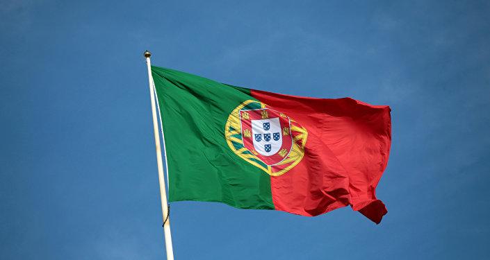Bandeira portuguesa perto da Câmara Municipal de Lisboa, 8 de novembro de 2013 (imagem de arquivo)
