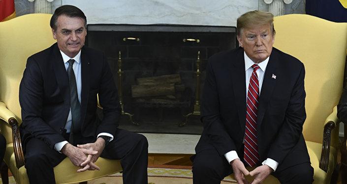 O presidente do Brasil, Jair Bolsonaro, com o chefe de Estado norte-americano, Donald Trump, na Casa Branca
