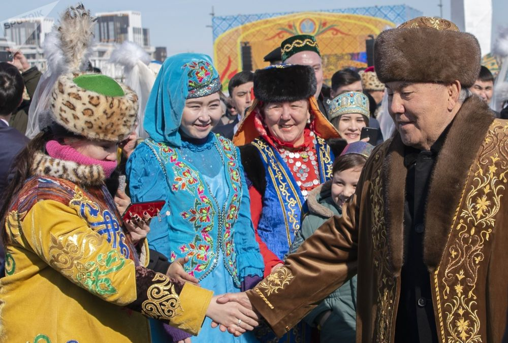 Primeiro presidente do Cazaquistão, Nursultan Nazarbaev, durante a festa tradicional Noruz na capital cazaque