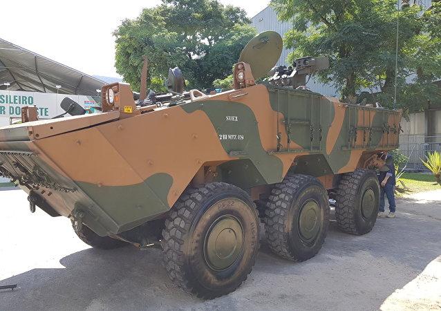 Veículo blindado Guarani, utilizado pelo Exército Brasileiro e produzido pela italiana Iveco