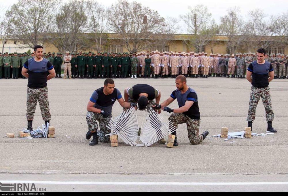Unidades especiais do CGRI mostram treinamento militar