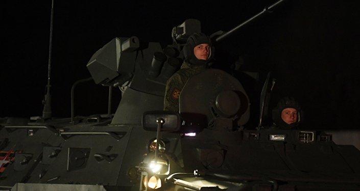 Os veículos militares que participarão na tradicional Parada da Vitória em 9 de maio