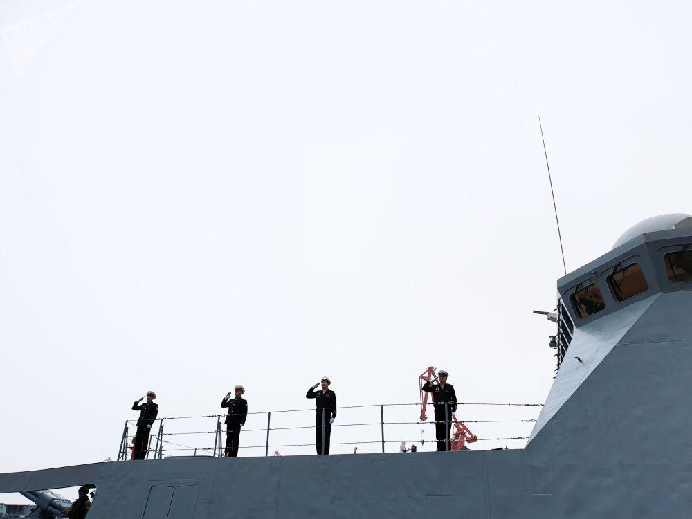 A fragata foi construída com base em princípios novos e equipada com as tecnologias mais avançadas, a maioria das quais nunca fora usada antes na Marinha russa
