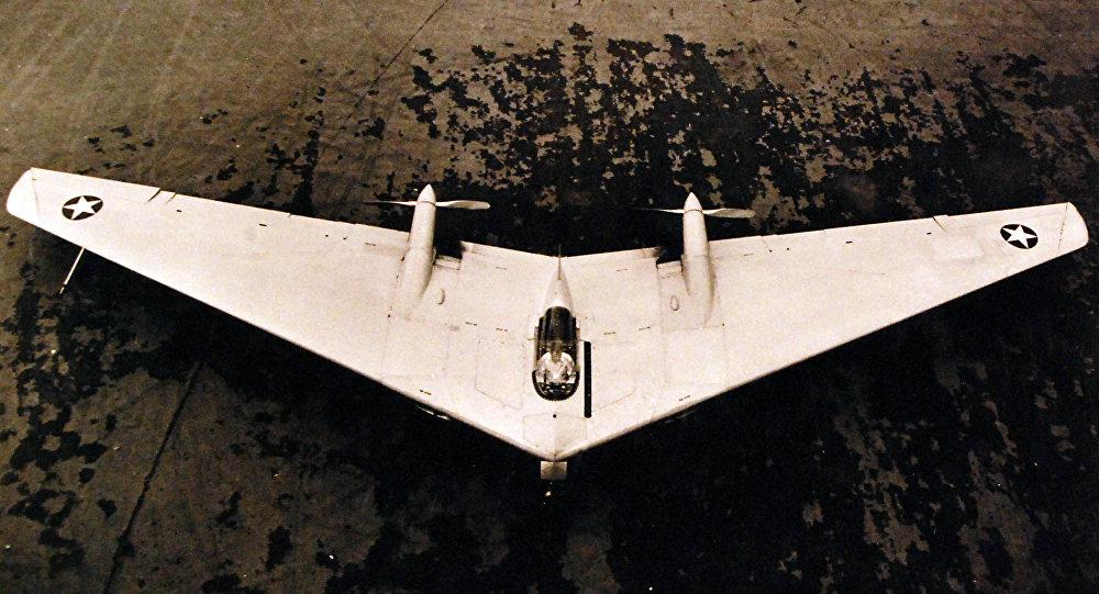 Northrop N-9M, abril 1943