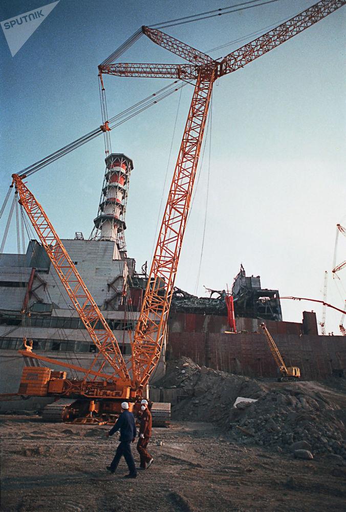 Ruptura da parede de emergência do 4º bloco energético da usina nuclear de Chernobyl, na cidade de Pripyat, Ucrânia