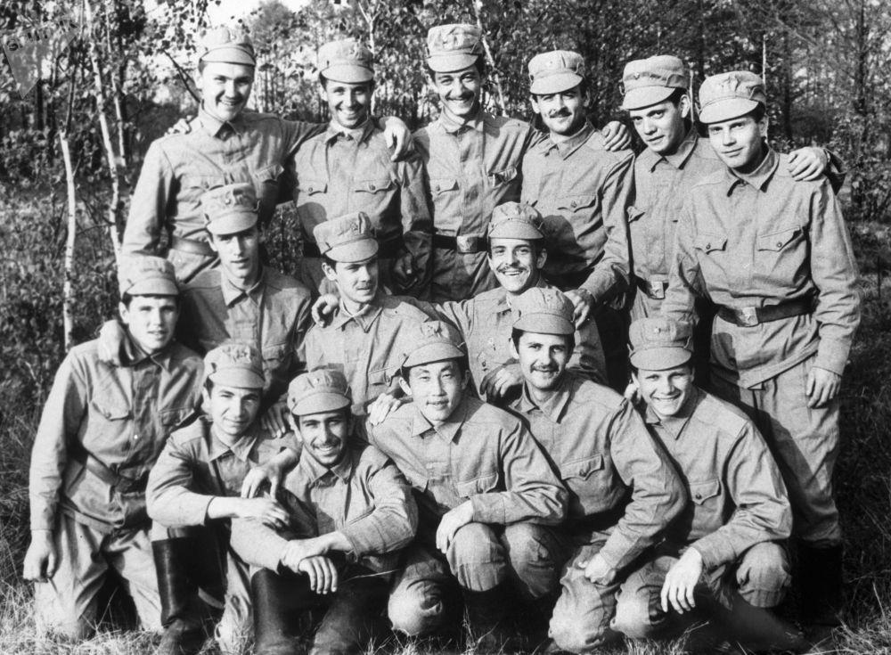 Grupo do capitão V. Bobrov, que fez o reconhecimento de radiação da usina nuclear de Chernobyl na cidade de Pripyat, Ucrânia