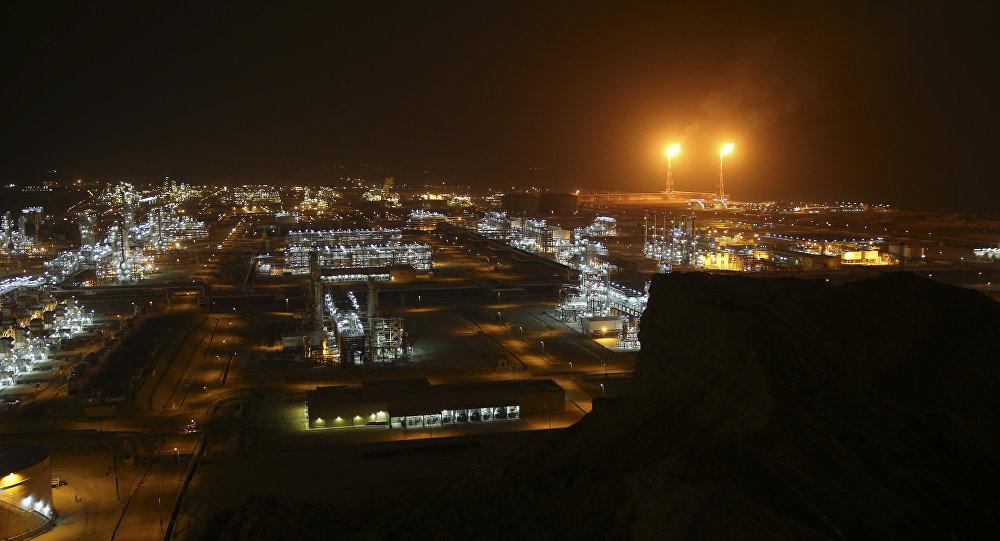Refinarias de gás natural na costa norte do Golfo Pérsico, em Asaluyeh, Irã.