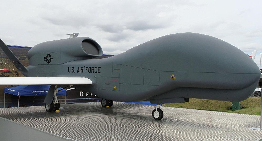 Drone estratégico americano RQ-4B-40 Global Hawk