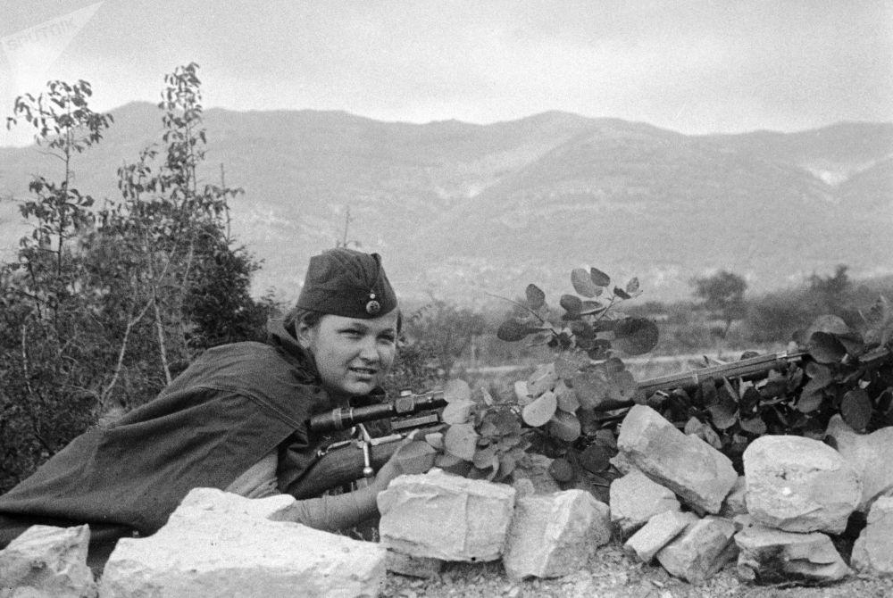 Elizaveta Mironova – uma das poucas jovens que combateu na 255ª Brigada de Infantaria de Marinha da Frota do Mar Negro