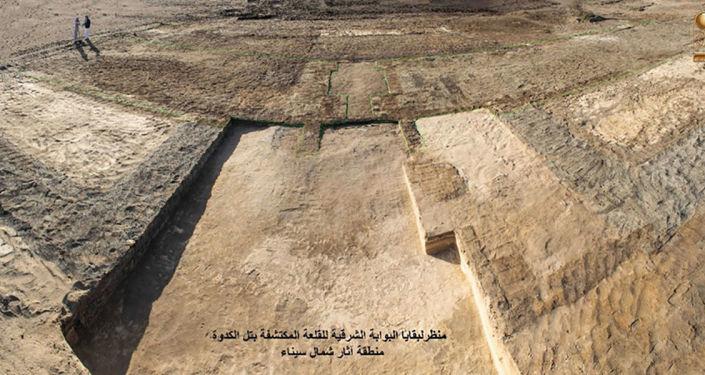 O forte de 2.600 anos foi desenterrado durante uma missão arqueológica egípcia