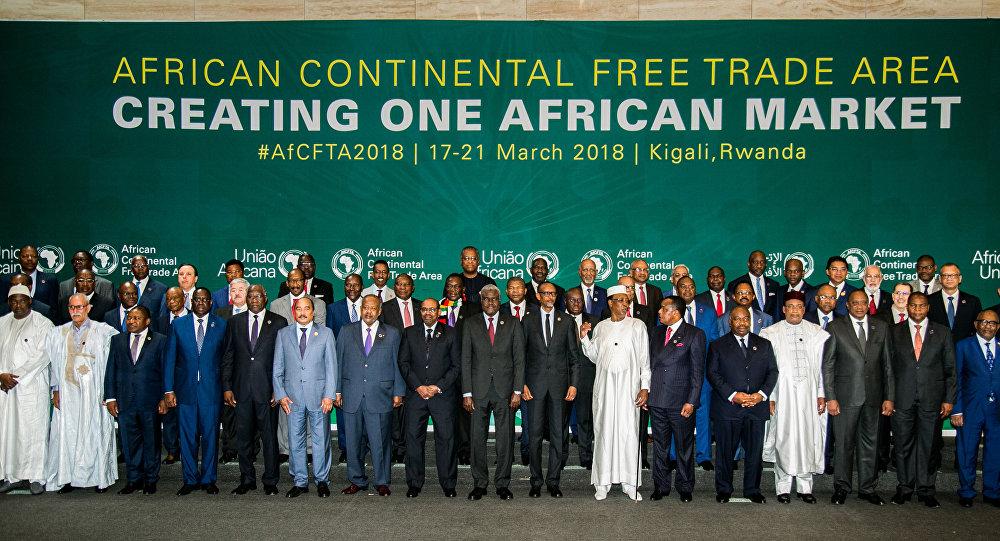 Líderes africanos durante a Cimeira da União Africana (UA) para estabelecimento do acordo de Área de Livre Comércio Continental Africana (AfCFTA), em Kigali, Ruanda, 21 de março de 2018