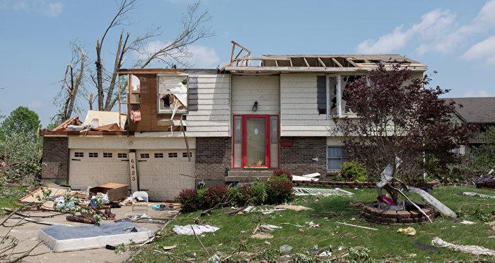 Destruição causada pela passagem de tornado em Trotwood, Ohio, em 28 de maio de 2019