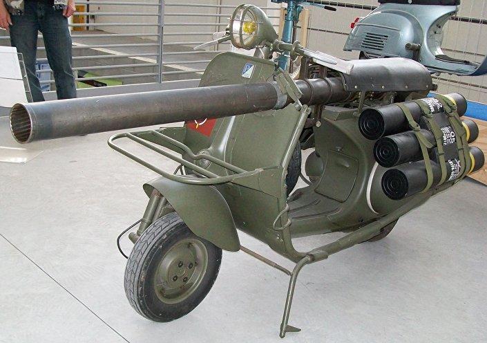 Vespa 150 TAP também chamada de canhão vespa