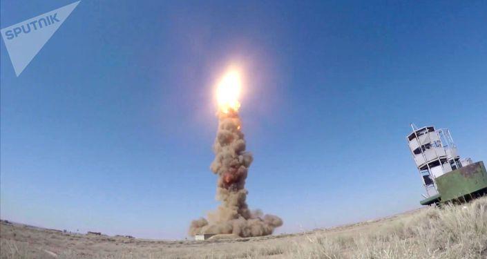 Lançamento do sistema de defesa antimíssil russo no polígono de Sary-Chagan, Cazaquistão (imagem de arquivo)