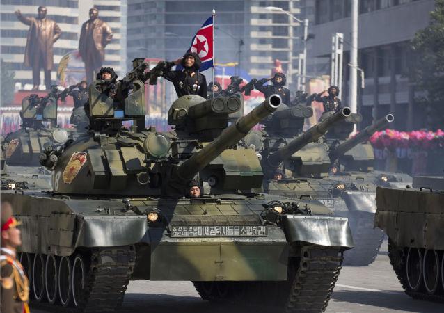 Tanque norte-coreano durante parada militar