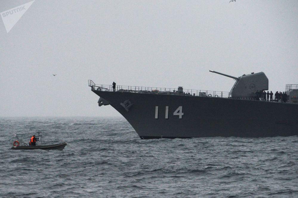 Destróier japonês Suzunami participa das manobras de busca e salvamento russo-japonesas SAREX 2019