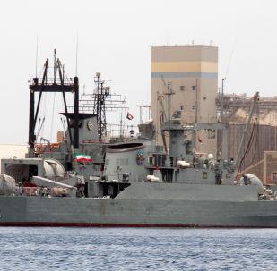 Navio militar iraniano fragata Alvand e navio de reabastecimento Bushehr (imagem de arquivo)