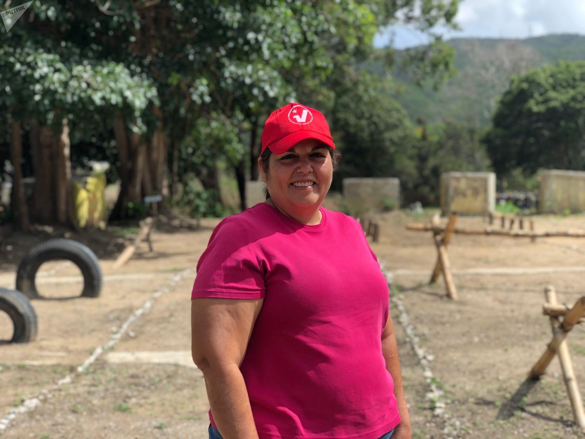 Astrid Villalobos tem 56 anos e participa dos treinamentos populares do Método Tático de Resistência Revolucionária