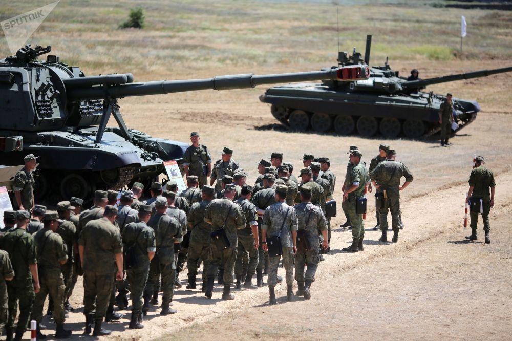 Demonstração no polígono militar Prudboi do Distrito Militar Sul, região de Volgogrado
