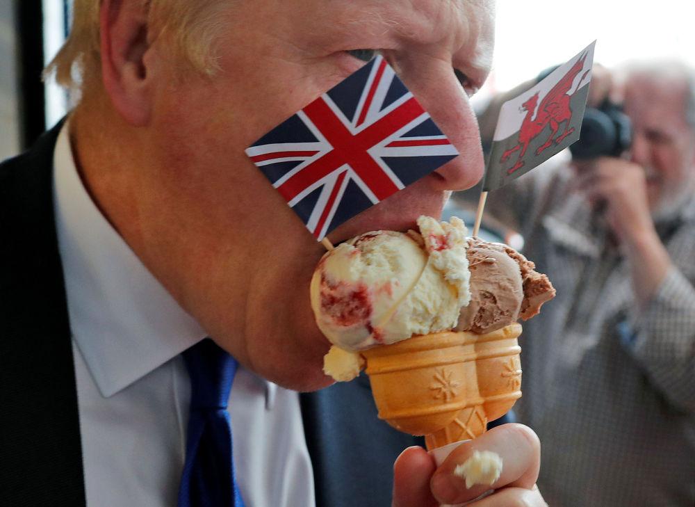 Boris Johnson, candidato ao cargo de primeiro-ministro do Reino Unido pelo Partido Conservador, antes dos debates com o chanceler britânico Jeremy Hunt
