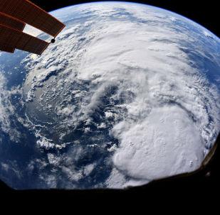O furacão Barry visto da Estação Espacial Internacional