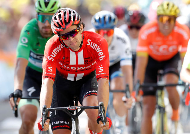 Ciclistas durante uma prova (imagem referencial)