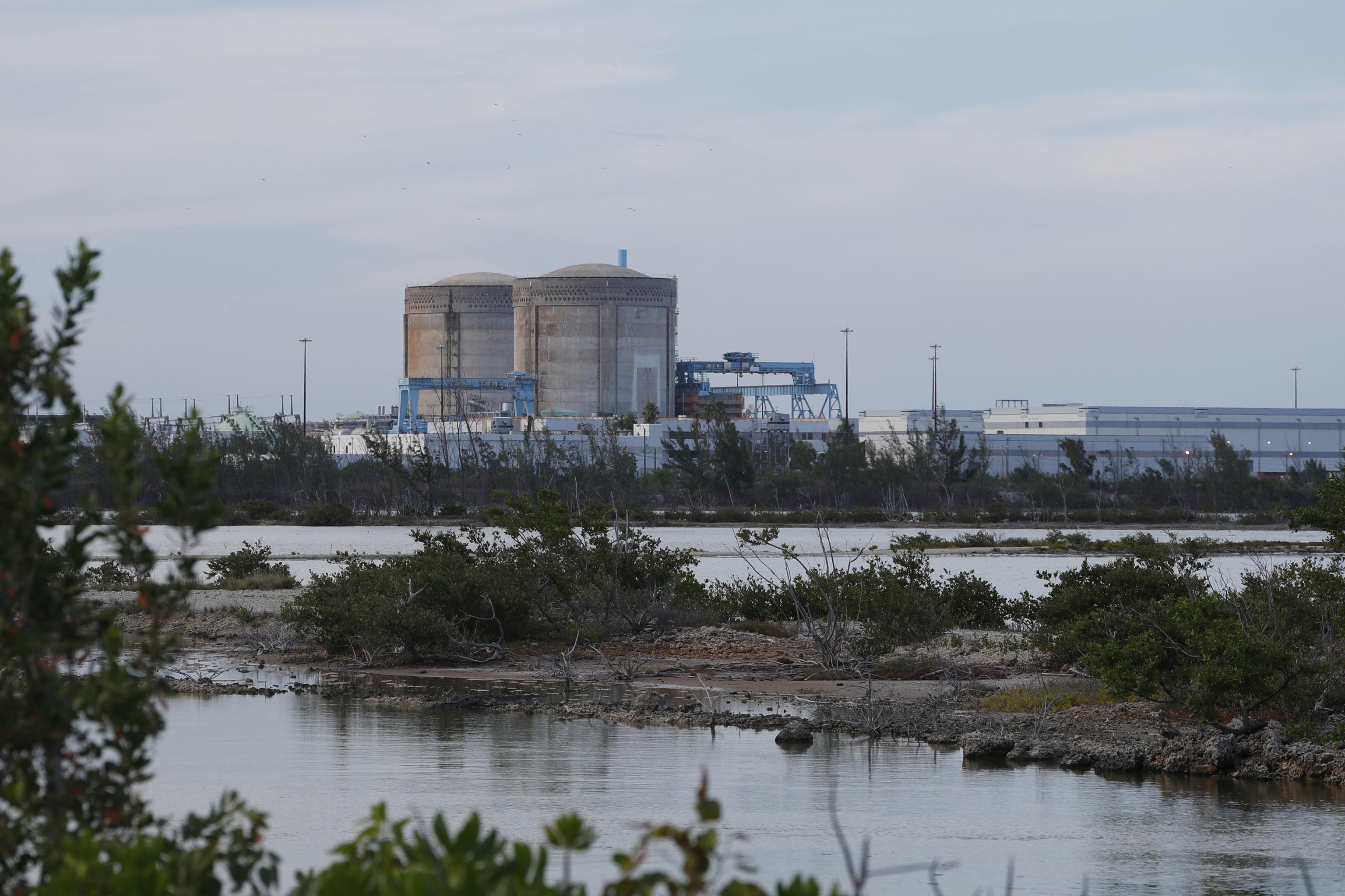 Canais hídricos perto da usina nuclear Florida Power & Light's Turkey Point (FPL), nos EUA
