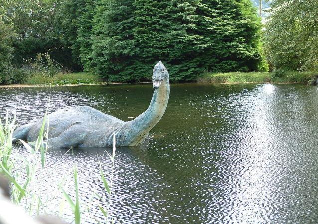 Réplica de Nessie na Escócia