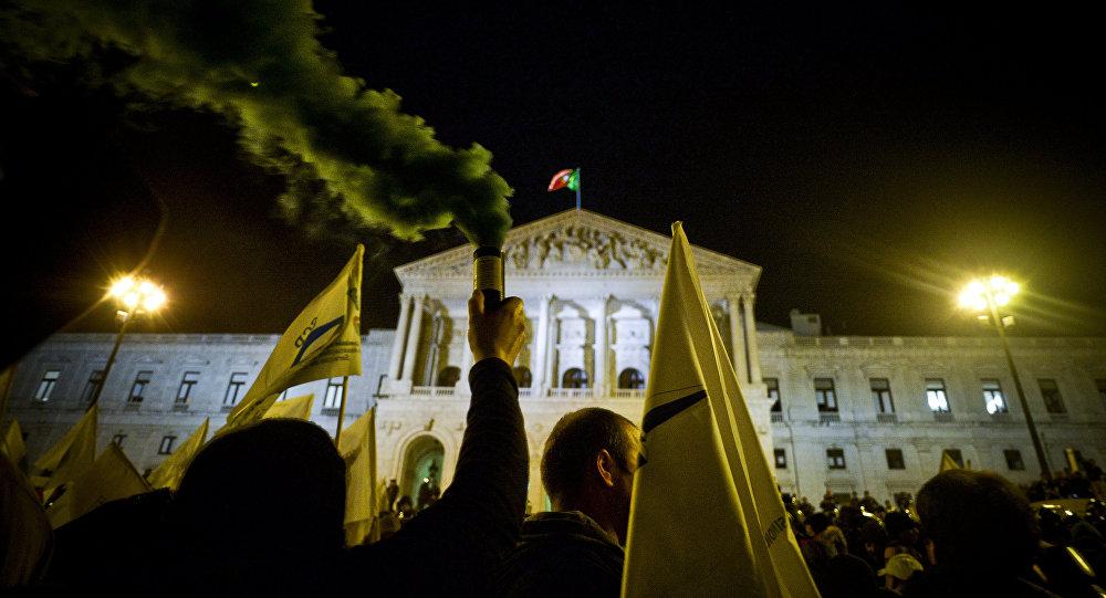Protestos contra medidas de austeridade em Lisboa