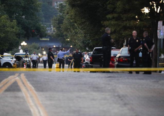 Autoridades trabalham no local do tiroteio em Ohio, EUA, em 4 de agosto
