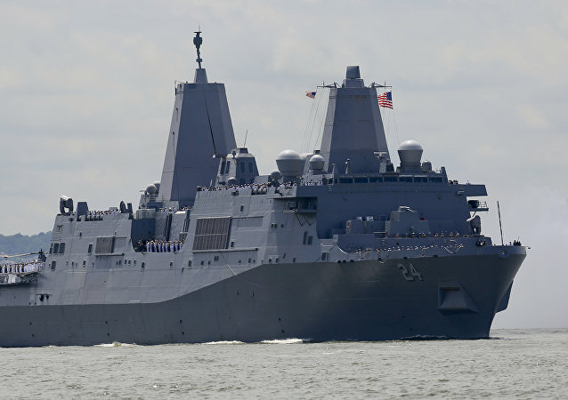 USS Arlington de Norfolk. Navio de assalto anfíbio da classe San Antonio (Imagem referencial)