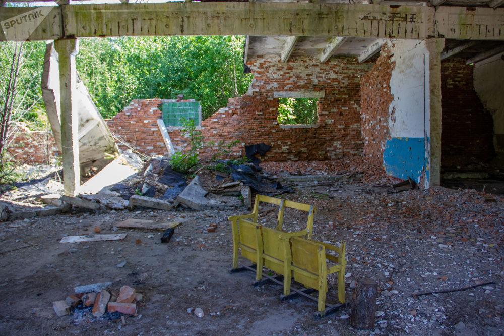Instalações abandonadas de uma unidade de mísseis na floresta, a alguns quilômetros da base de Dvina, na Bielorrússia
