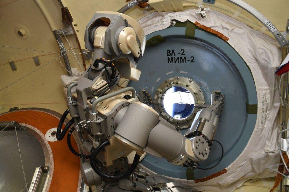 Robô humanóide Skybot F-850 na órbita da Estação Espacial Internacional